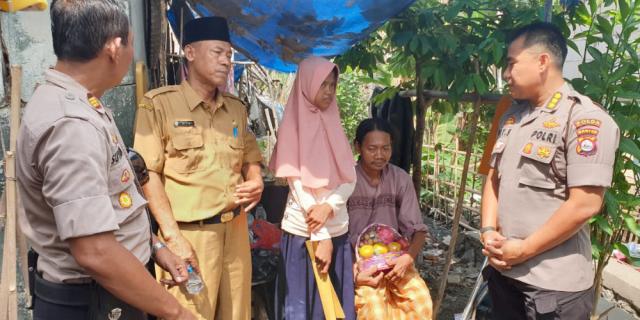 Siswi SMP Kresek Tidak Makan 2 Hari di Sambangi Polisi Jum'at Barokah